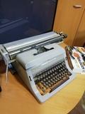 maquina de escribir antigua - foto