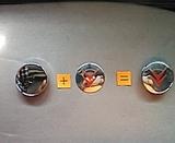 Tapabuje llantas Citroen gris-rojo 60mm - foto