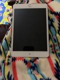 iPad mini 4 que no quiere arrancar - foto
