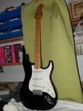 Guitarra Electrica Fender Estratocaster - foto