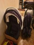 coche de bebe i silla para coche - foto