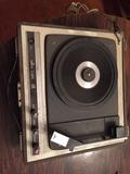 Tocadiscos antiguo coleccionista vintage - foto