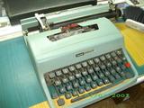 maquina de escribir olivetti - foto