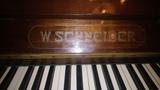Piano W.Schneider - foto