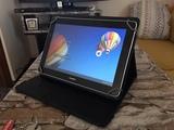 tablet Huawei con funda - foto