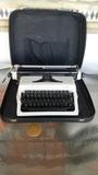 maquina de escribir Erika - foto