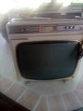 televisor blanco y megro - foto
