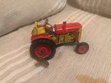 tractor Zetor juguete antiguo - foto