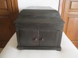 antiguo mueble gramola,la voz de su amo. - foto