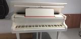 Piano blanco - foto