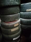 lote neumáticos - foto