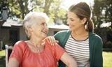 cuidado de persona mayor - foto