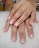 manicura y pedicura, uñas acrílicas - foto