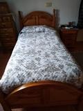 Vendo dos camas de madera maziza - foto