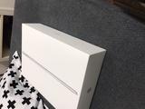 Caja origina vacía de iPad 2019 - foto