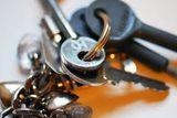 F ¿buscas un cerrajero rapido en sevilla - foto