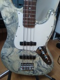 Bajo electrico estilo Jazz-bass - foto