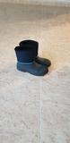 ropa nieve más botas y guantes - foto