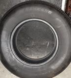 Neumático 225/75 R15 - foto