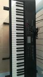 Se vende teclado de música - foto