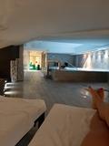 Chica acompañante y masaje erótico - foto