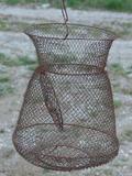 Cesta de pesca de hierro - foto