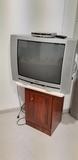 TV con TDT y mueble - foto