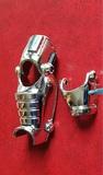 Piezas y arma de juguetes antiguos. - foto
