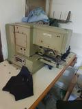 Maquina de coser hacer remates - foto