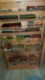 trenes HO. coleccion con vitrina, vías, - foto