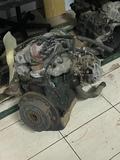 Motor Suzuki SJ410 - foto