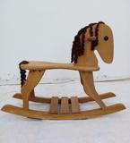 Caballito balancín madera - foto