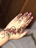 Tatuajes de henna y velas - foto