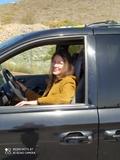 Chófer, conductora personal. - foto