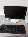 Monitor AOC con teclado - foto