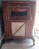 Radio gramola mueble madera - foto