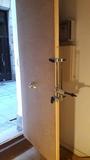 Montaje puerta blindada - foto
