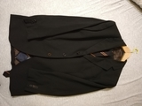 3 trajes marca caramelo con corbata seda - foto
