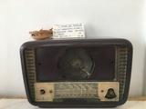 VENDO RADIO MUY ANTIGUO AÑOS 60 - foto