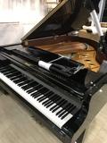 Piano vertical o cola Kawai - Yamaha - foto