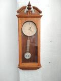 Reloj de Péndulo antiguo pared - foto