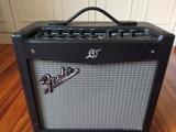 Amplificador Fender Mustang I V.2 - foto