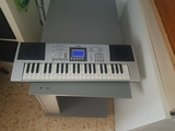 vendo piano eléctrico a pilas - foto