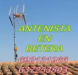 Antenista y electricista - foto