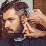 Barbero, peluquero de caballero. - foto