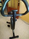 Se vende bicicleta estática. - foto