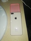 iPhone 8 Plus gold 64gb - foto