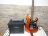 Guitarra eléctrica y amplificador - foto