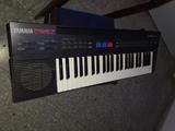 Teclado musical Yamaha - foto