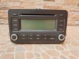 Radio CDs Passat B6 - foto